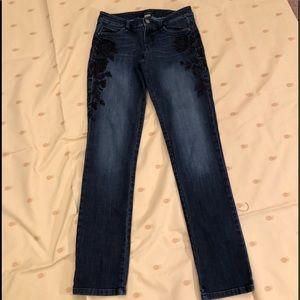 WH/BM Blue Jeans Black Flower Design on Sides-4R